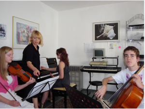 Raisa Parmentier Isaacs and Academy student Chamber Ensemble coaching